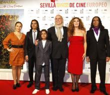 Javiero trabajando en la producción audiovisual del Festival de Cine de Sevilla